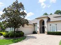 New Listing: Recently Remodeled Patio Home on the Palmer Course in The Woodlands